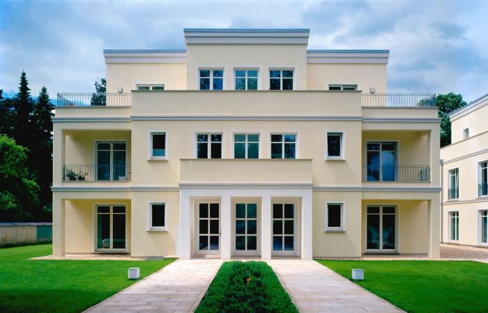 Stadtvilla modern mit balkon  klassisch modern. stadtvillen bad oeynhausen › Architekten ...